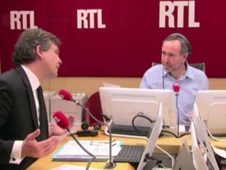 Arnaud Montebourg critique le maillot de l'équipe de France de football