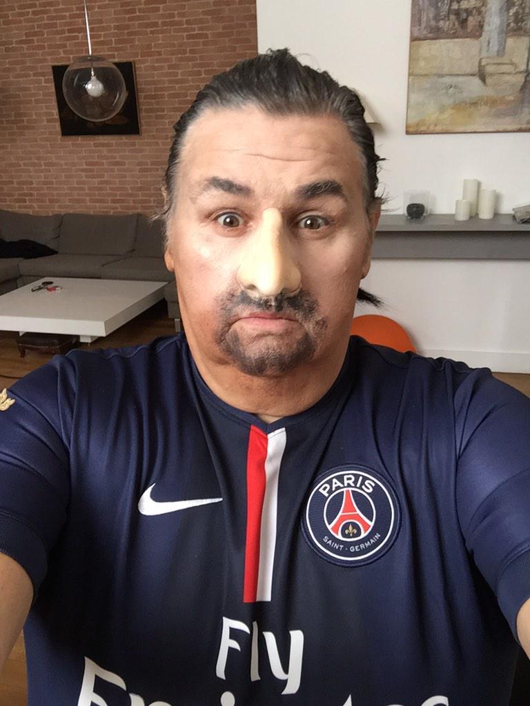 Pierre Menes déguisé en Zlatan Ibrahimovic