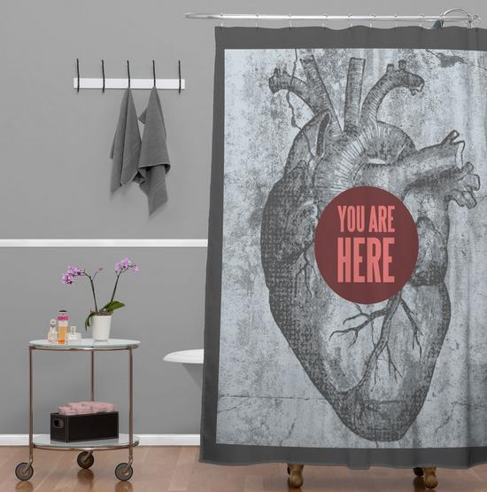 Rideau de douche en forme de coeur humain