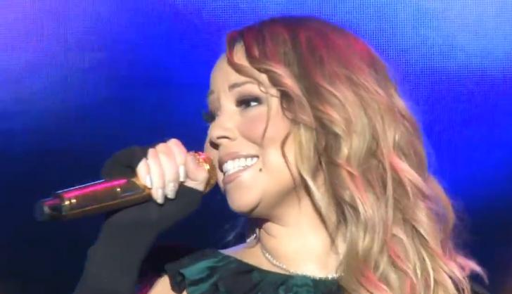 Mariah Carey oublie les paroles en concert