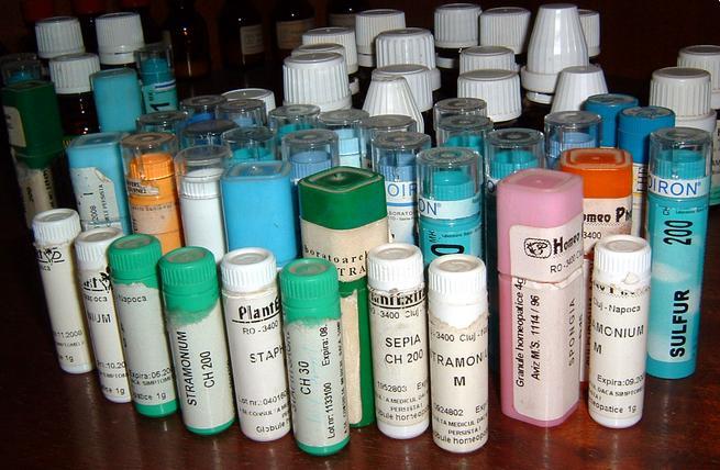 Des flacons de pilulles homéopathique
