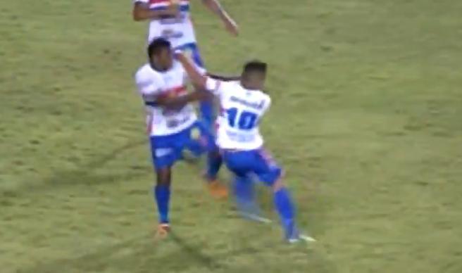 Uilian et Fabio Junior en pleine action !