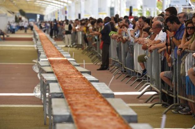 La plus longue pizza du monde