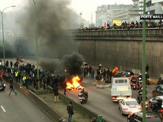 Grève des Taxis : des arrestations pour incendies, violences et port d'armes