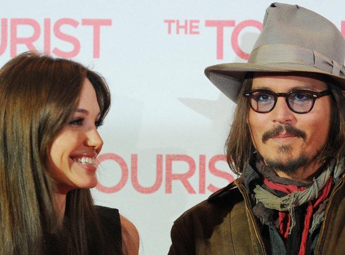 Angelina-Jolie-oublie-Brad-Pitt-dans-les-bras-de-Johnny-Depp-!_portrait_w674