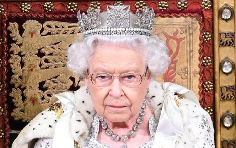 la reine elizabeth II va abdiquer en 2021