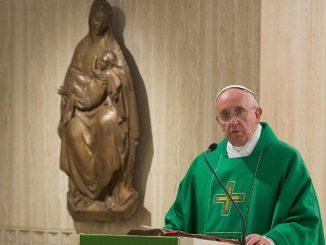 Pape François abolit le secret papal