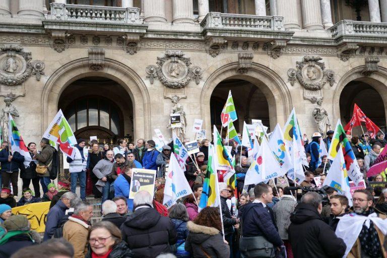 Grève contre la réforme des retraites: nouvelle mobilisation syndicale