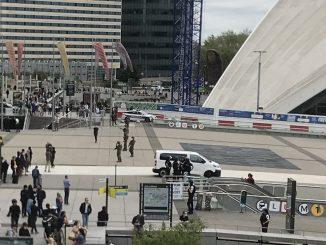 Paris homme armé