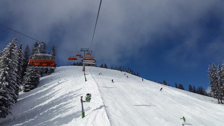 Isolement contrôles aux frontières skier à l'étranger