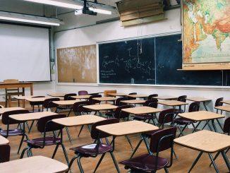 Covid-19: «protocole renforcé» dans les écoles de 19 départements