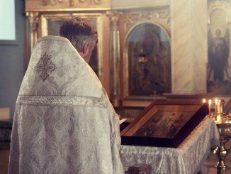 Pédocriminalité dans l'église: au moins 10.000 victimes en France