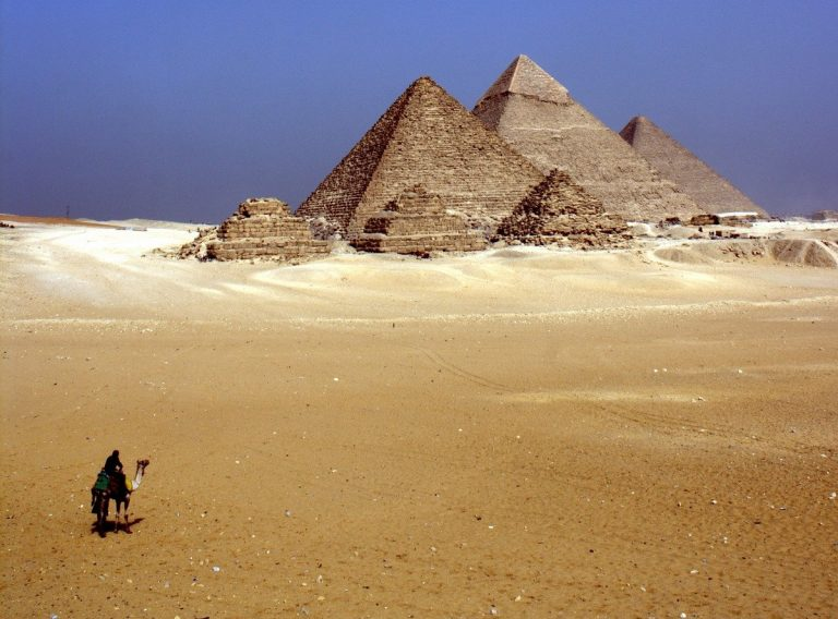 Egypte: tombes d'il y a 4000 ans