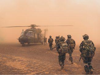 tribune militaires Valeurs actuelles