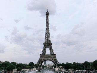 La Tour Eiffel rouvre au public après huit mois de fermeture pour cause de pandémie