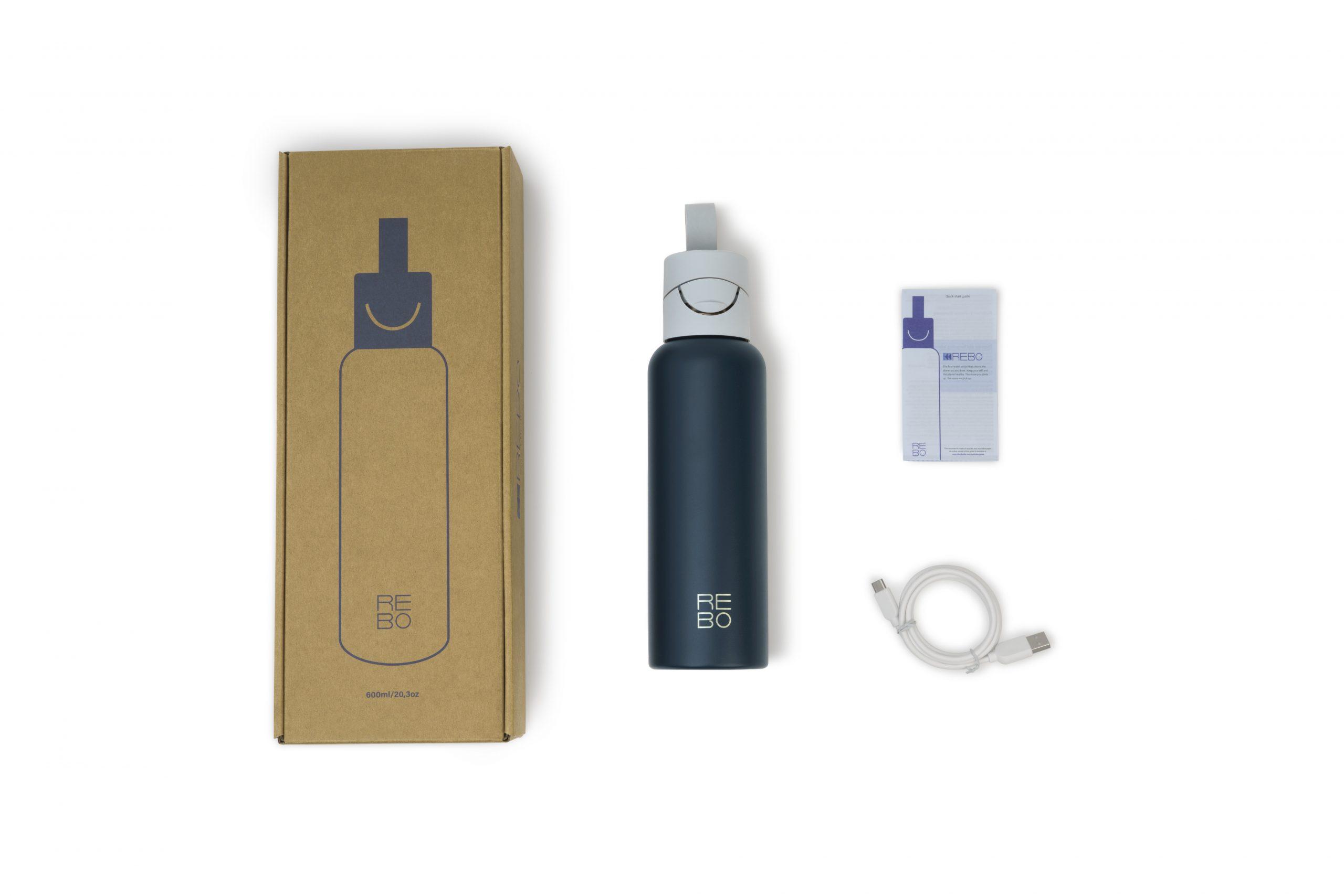 rebo product photography limbo bottle flatpicture blue scaled