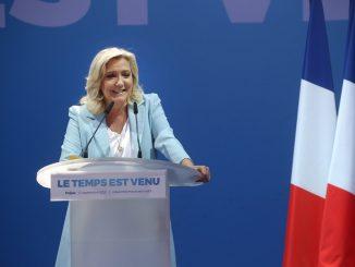 Marine Le Pen veut que le harcèlement de rue soit passible de prison