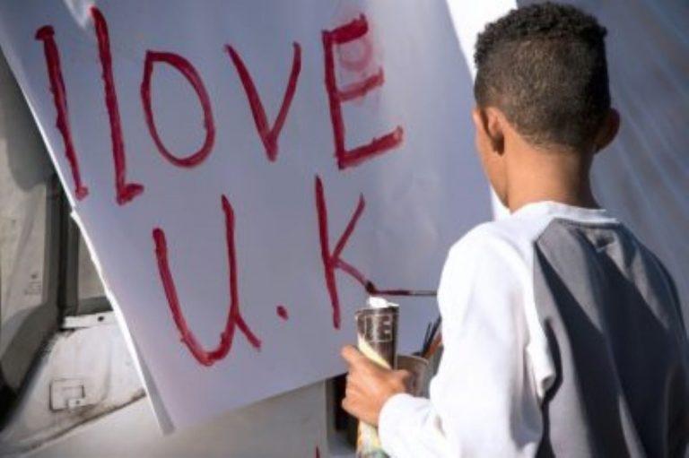 2000 migrants en attente à Calais : l'appel de la maire