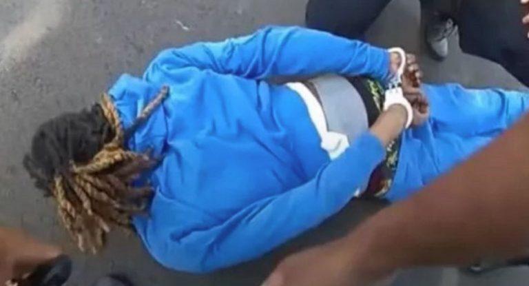 La police de l'Ohio fait sortir un Afro-Américain paraplégique de sa voiture